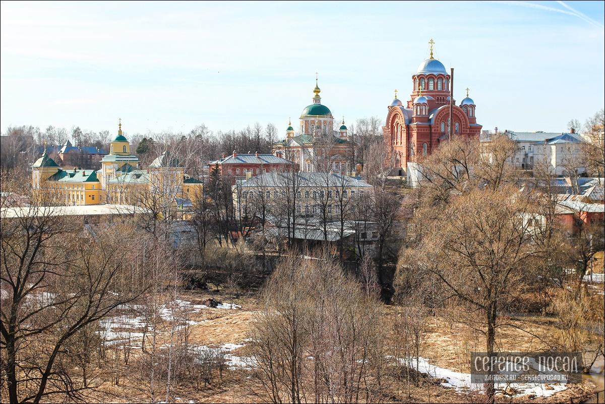 Паровоз П36-0120 проезжает в Хотьково самый высокий железнодорожный мост в Подмосковье
