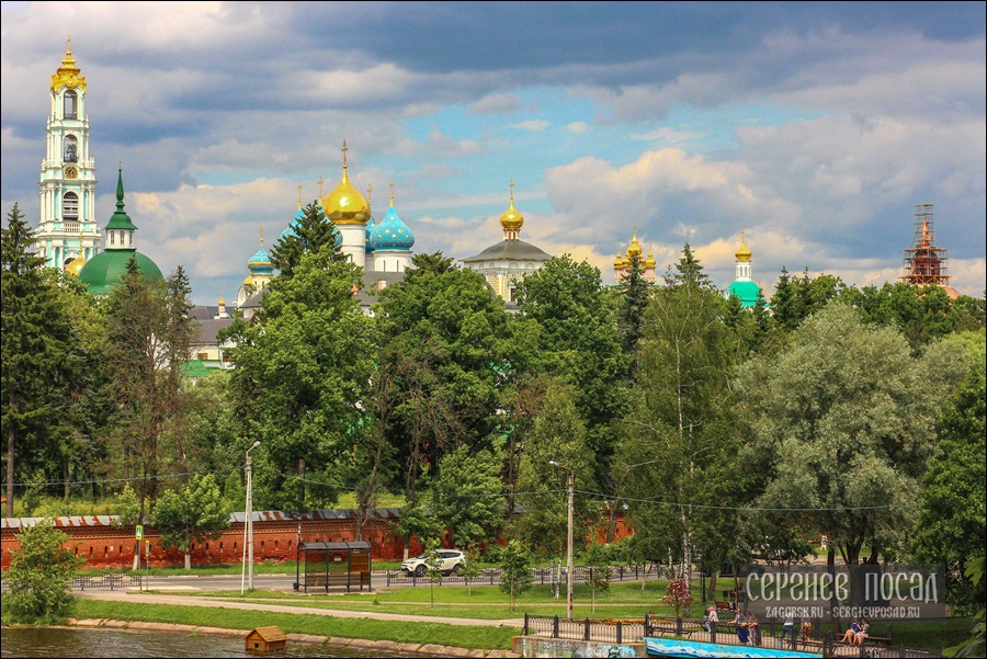 Москва и Загорск. Июнь 1975 - июль 1976