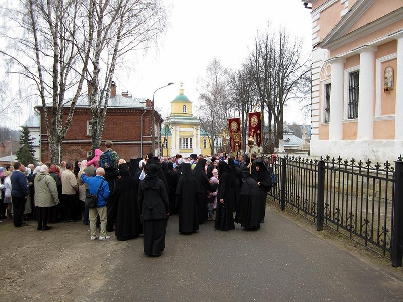 Покровский Хотьков монастырь. Крестный ход. 22 апреля 2012 года.